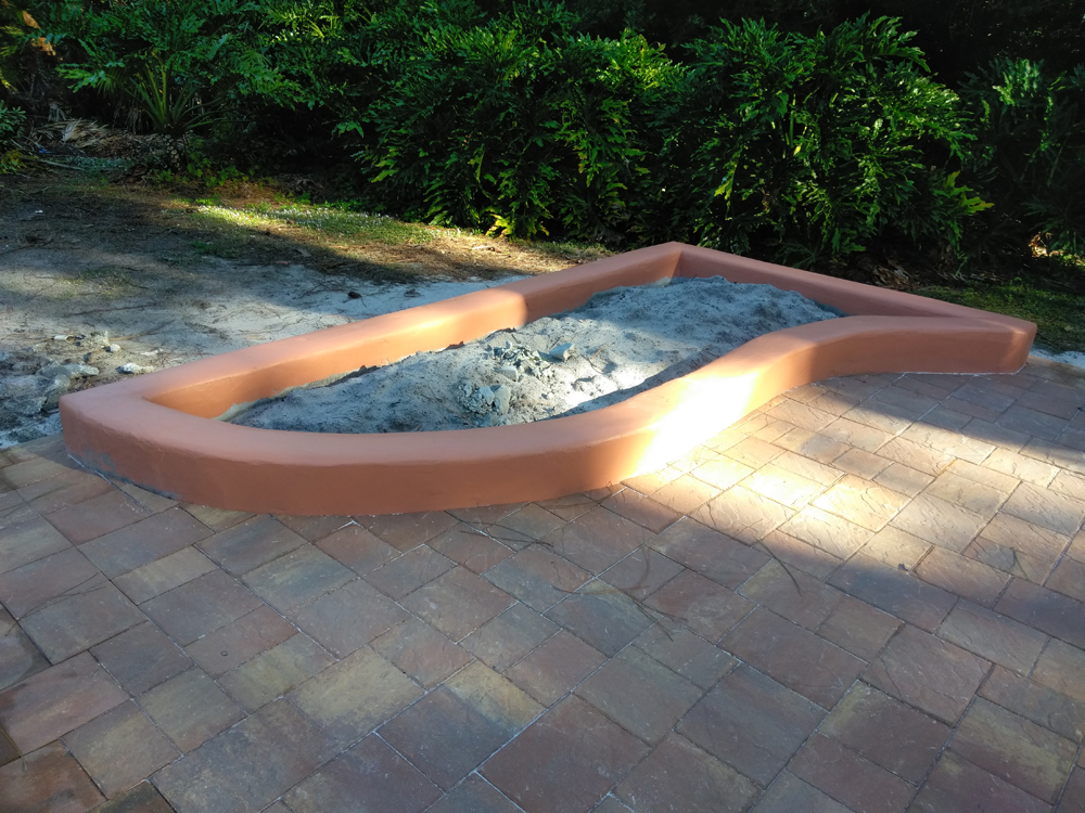 patio-planter-coping-concrete-pavers.jpg
