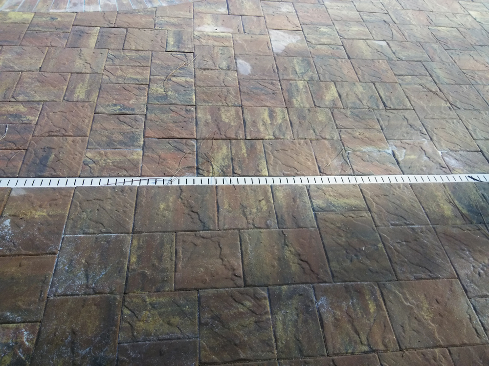 pool-screed-pavers.jpg